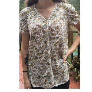 V-neck flower shirt